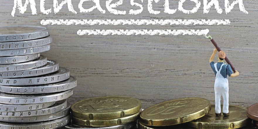 Auf 10,45 Euro steuert der Mindestlohn 18 Monate lang ab Januar 2021 stufenweise zu.