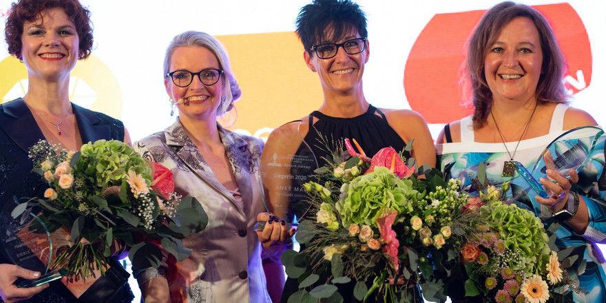 Bei der Preisverleihung (von links): Doris Bach, Daniela Kreißig (Initiatorin des Awards), Anke Mai, Sabine Lottes.