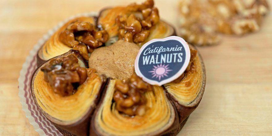 """Ausgezeichnet: """"Walnuss Flower"""" ist die beste Backkreation mit kalifornischen Walnüssen."""