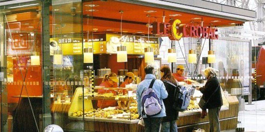 In jedem größeren Bahnhof ist das Franchiseunternehmen Le Crobag mittlerweile vertreten. Nun will man am Coffeeshop-Kuchen teilhaben.