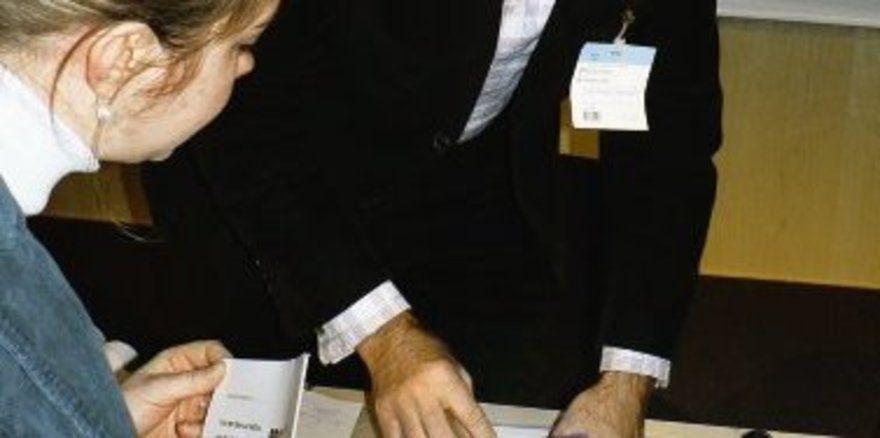 """Das ist die Bio-Brotbox: Burkhard Sonnenstuhl präsentiert in Nürnberg das Erfolgsmodell. <tbs Name=""""foto"""" Content=""""*un""""/>"""