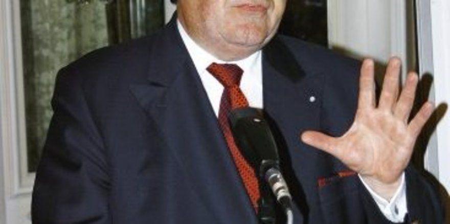 """LIM Heinrich Traublinger (MdL) stellte den Mitgliedern drei Resolutionen zur Verabschiedung vor. <tbs Name=""""foto"""" Content=""""*un""""/>"""
