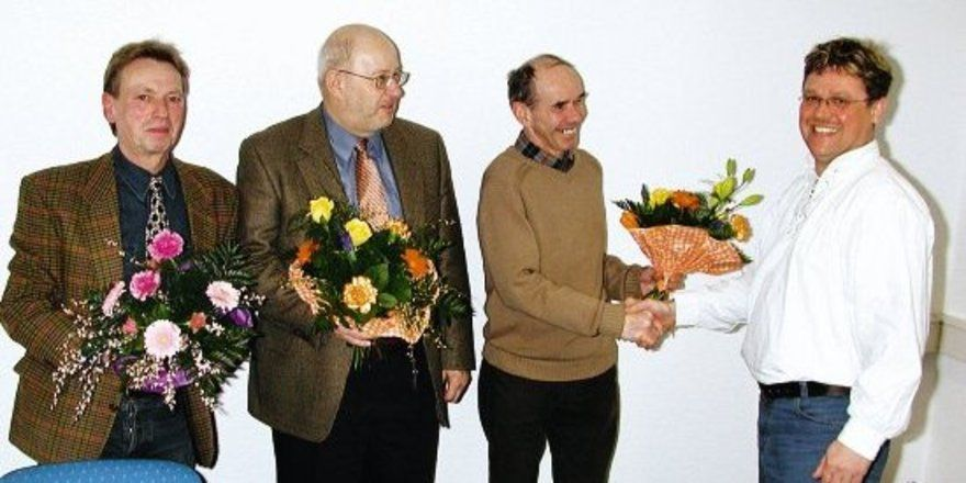 """Der neue Obermeister Jens Herzog dankte den aus dem Ehrenamt scheidenden Kollegen Peter Goebecke, Wolfgang Stohl und Lutz George (von rechts). <tbs Name=""""foto"""" Content=""""*un""""/>"""