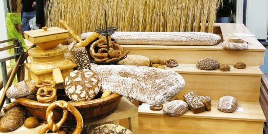 """Vom Getreide über die Mühle zum Brot: Nicht nur steigende Preise, sondern auch die Grundversorgung der Bevölkerung gerät in den Fokus der Diskussion. <tbs Name=""""foto"""" Content=""""*un""""/>"""