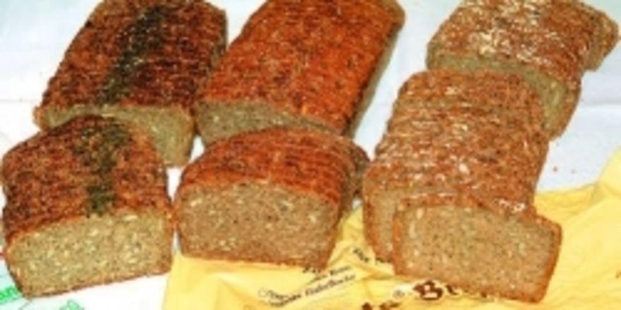 Die drei Hauptbrotsorten – Dillbrot, Volles Korn und Haferflockenbrot – können als Grundsortiment hergestellt werden. Mittlerweile stehen auch Rezepte für Klein- und sogar Feingebäcke zur Verfügung.