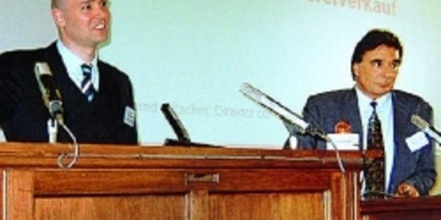 Fehler im Verkauf führen zu Umsatzverlusten, so Bernd Kütscher (Direktor Akademie Dt. Bäckerhandwerk) und Wilhelm Jung (Gewerbeschule Lörrach).