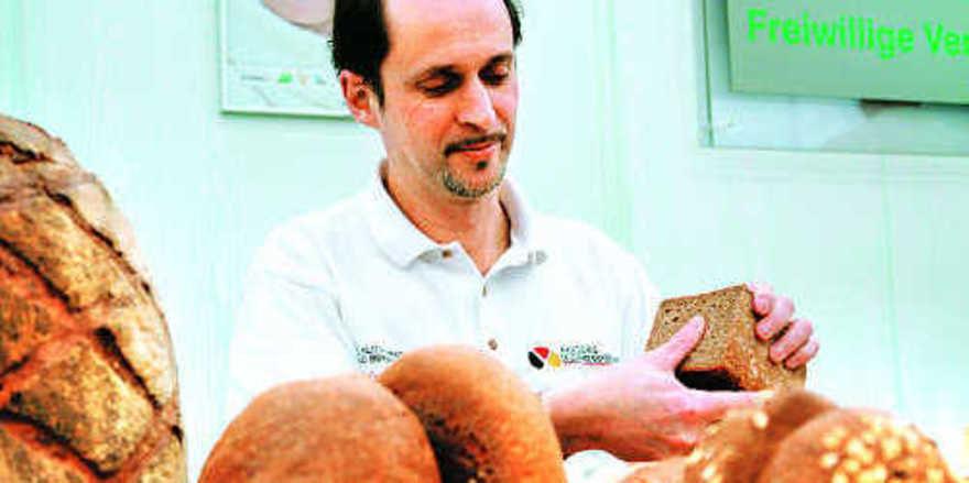 Manfred Stiefel ist einer von drei hauptamtlichen Qualitätsprüfern des Zentralverbands des Deutschen Bäckerhandwerk, die sich künftig noch professioneller in Szene setzen werden.
