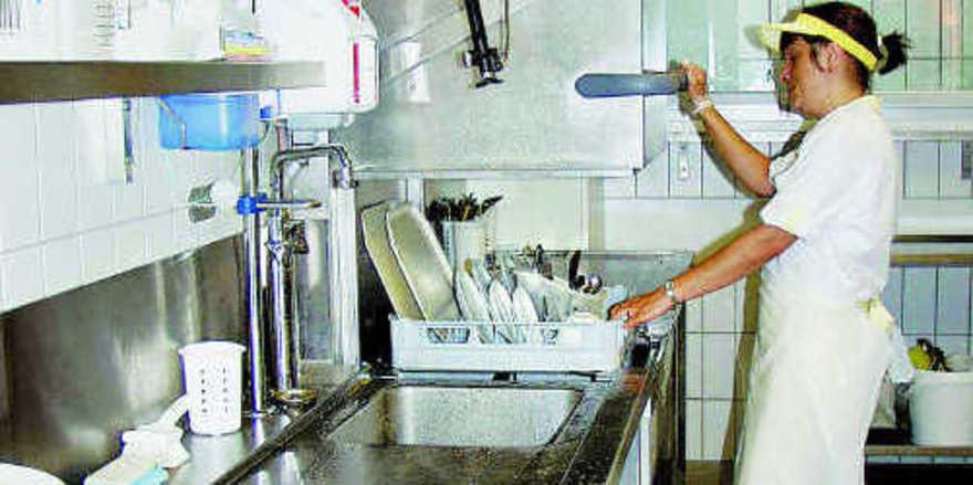 Spülgut fällt in Bäckereien nonstop an: Optimierte Arbeitsabläufe und die richtige Standortwahl legen die Basis für gute Ergebnisse.