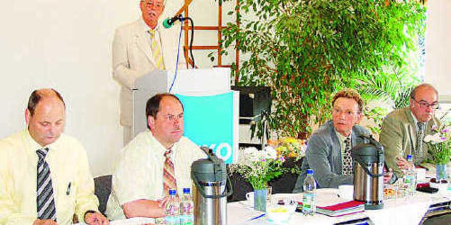 Bei der 106. Ordentlichen Generalversammlung der Bäko Leipzig-Halle konnte Direktor Dieter Holzhausen für das Jahr 2007 einen eindrucksvollen Geschäftsbericht vorlegen.