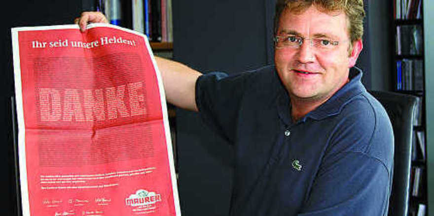 Tobias Maurer hat seinen Dank nicht mit Worten, sondern auch mit Zeitungsanzeigen und Plakaten ausgedrückt.