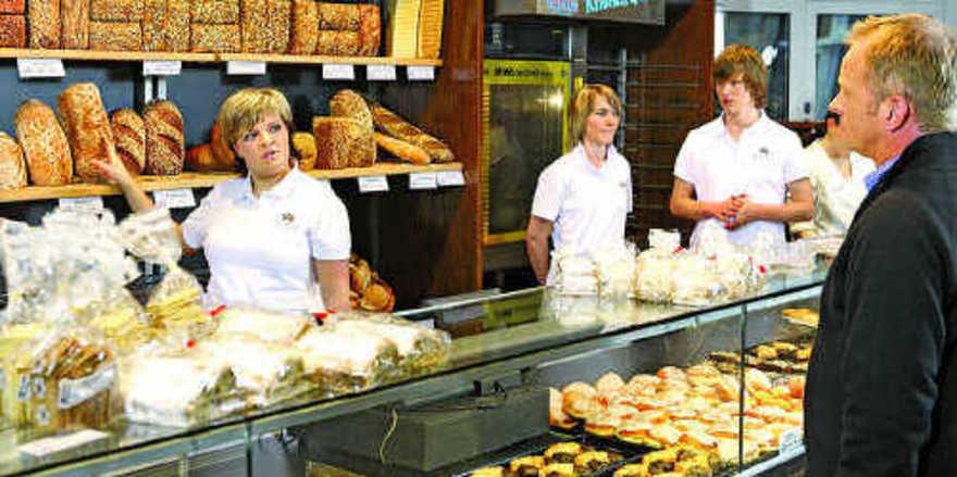 Berufe mit Perspektive: Ob als Fachverkäufer/in oder als Bäcker/in.