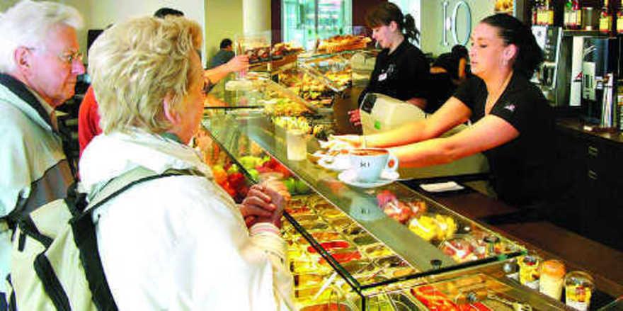 Senioren wünschen sich neben kleineren Wareneinheiten ausgebildetes und hilfsbereites Personal.