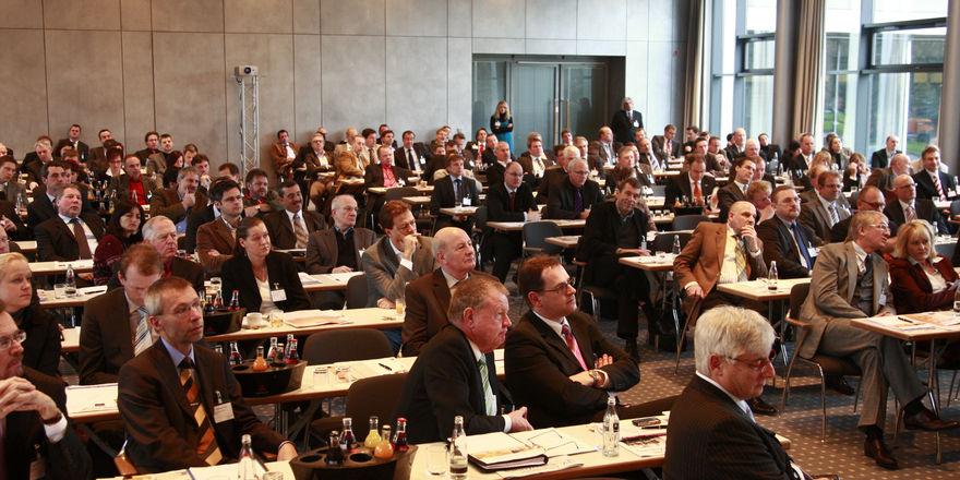 Über 200 Teilnehmer informierten sich in Wiesbaden über die Megatrends im Backwarengeschäft. 18 hochkarätige Referenten standen Rede und Antwort.