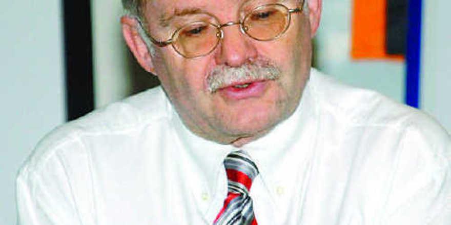 Prof. Dr. Franz Sartor führte Beispielrechnungen durch und gab Finanz-Tipps.