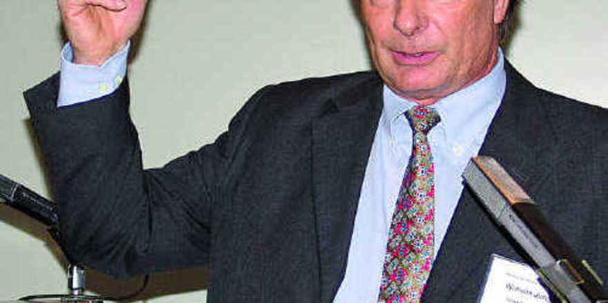 Engagiert sich stark für die Lehrerfortbildung: Ausschussvorsitzender Wilhelm Jung.