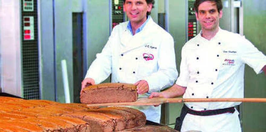 Profitieren von der Zusammenarbeit mit dem Ökostromanbieter gleich mehrfach: Bäckereichef Jan Egerer und Lutz Leuchtges