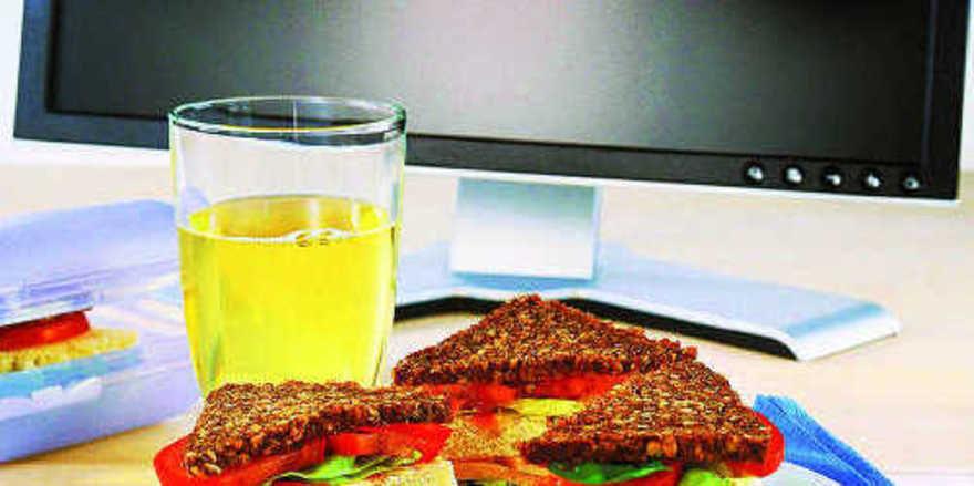 Im Umfeld von Büros kann mit abwechslungsreichen Snacks ein Sortiment für die Frühstücks- oder Mittagspause angeboten werden.
