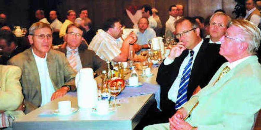 Zahlreiche Obermeister und Ehrengäste nahmen an der Generalversammlung der Bäko Mittelbaden in Bühl teil.