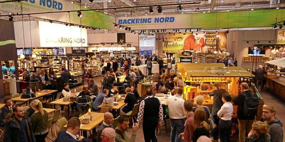 Der größte Stand in der Bäckerhalle war mit 1100 Quadratmetern der des Backrings Nord, der - wie der Bäko-Stand - regelmäßig gut besucht war.