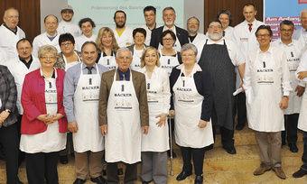 Bei der Kür des Saarland-Brotes waren zahlreiche Kollegen dabei – u. a. LIM Roland Schaefer (7. von rechts).