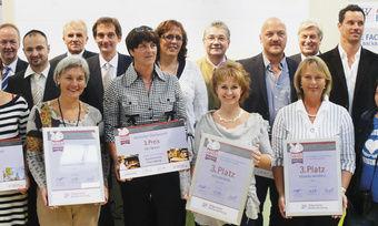 Strahlende Gesichter bei den Preisträgern: Über die Ehrung hinaus, erhielten die Gewinnerbetriebe wertvolle Preise, die mit freundlicher Unterstützung von unseren Partnern zur Verfügung gestellt wurden.