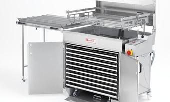 Zum Geschäftsfeld von Riehle gehören Fettbackgeräte und Belaugungsmaschinen.