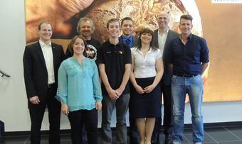 Der Vorstand des Meisterkreises mit dem 1. Vorsitzendem Dominic Padeffke und Akademie-Direktor Bernd Kütscher (von rechts).