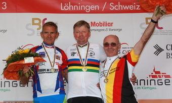 Jean -Paul Legrix (2. Platz), Hubert Kollaschek (1. Platz) und Erwin Pöllet (3. Platz), die Sieger (von links) bei den Veteranen ab 60.