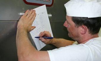 Wie eine Dokumentation hygienerechtlich sicher aussehen muss, wird in der aktuellen Auflage der Leitlinie beschrieben.