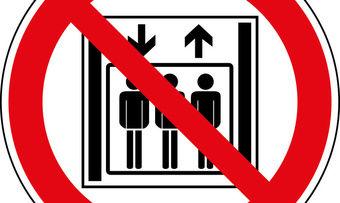 Geschirrfahrstühle sind nichts für den Personentransport.