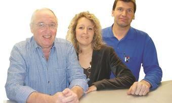 Gebhard Lochbihler sowie Karin und Klaus Grözinger (von links) führen die Ried-Nahrungstechnik weiter.