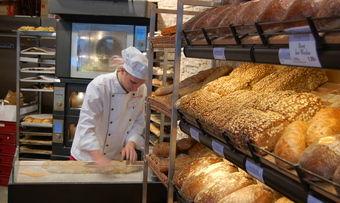 In jeder Filiale von Heberer soll künftig Brot gebacken werden.