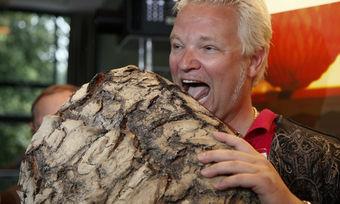 Jochen Gaues in früheren, besseren Zeiten. Auf dem Backkongress 2010 hat er der Branche sein Konzept rund ums Brot vorgestellt.