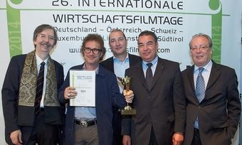 Victoria-Gewinnerfoto (von links): KR Alexander V. Kammel, Hendrick Melle, Stefan Hansen, Amin Werner, Roman Guggenberger.