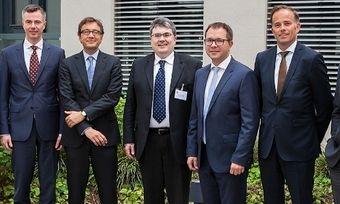 Das neu gewählte Vorstandsteam des Backzutatenverbands mit Geschäftsführung.
