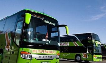 Fernbus-Reisen sind günstig und können etwas länger dauern. Da ist Bordverfplegung gefragt.