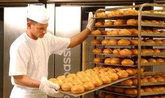 Ab Januar gilt der Mindestlohn bundesweit für alle Beschäftigte im Bäckerhandwerk.