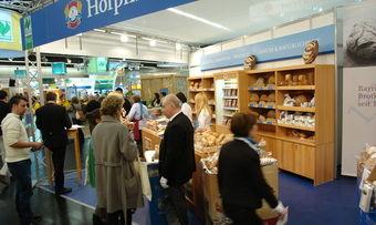 Auch ihren jährlichen Auftritt auf der Biofach nutzt die Hofpfisterei, um Kunden aufzuklären.