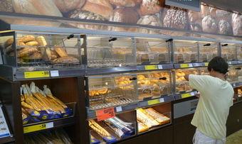 Backstationen wie diese von Lidl aus dem Jahr 2011 locken Kunden.