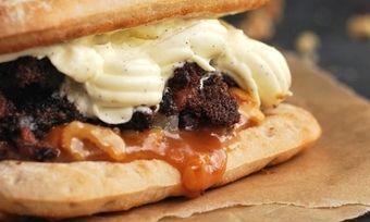So sieht die süße Burger-Kreation von Harry-Brot aus.
