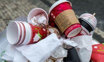 Die Kehrseite des bequemen To-go-Geschäfts ist der Müll.