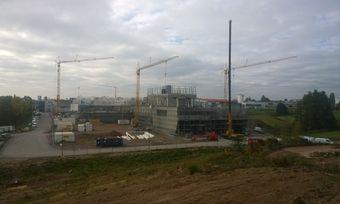 Die neue Halle nimmt Gestalt an. Demnächst soll der Innenausbau erfolgen.