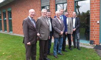 Schulterschluss im neuen Verbandsteam (von links): Heinz Essel unter anderem mit Karl-Heinz Wohlgemuth, Thomas Müller aus Mecklenburg-Vorpommern und dem BKV-Nord-Vorsitzenden Holger Rathjen.