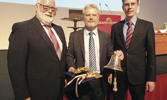 Ein Bild aus besseren Tagen (von links): Aufsichtsrats-Vorsitzender Borchers, Norbert Hupe und Thomas Apfel.