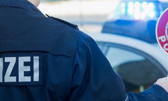 Normalerweise ist es die Polizei, die den Bürgern bei Fehlverhalten Einhalt gebietet.