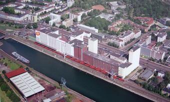 Die Ellmühle wird nur noch bis zum Jahr 2020 im Deutzer Hafen (Köln) sein.