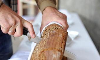 Nach Aussage von Experten der Universität Hohenheim entscheidet die Teigzubereitung über die Bekömmlichkeit eines Brotes.