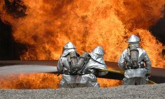 Den Einsatzkräften der Feuerwehr ist es nach über zwei Stunden gelungen, den Brand zu löschen.