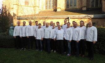 Diese Bäckermeister dürfen sich Brot-Sommeliers nennen. Mit auf dem Foto der österreichische Fernsehkoch Johann Lafer.