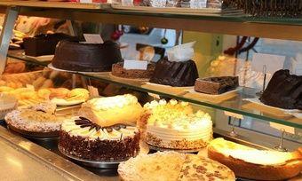 Nach erfolgter Sanierung und dem Einstieg von zwei Investoren wird es weiterhin Kuchen,Torten und Brote aus dem Hause Langner geben.